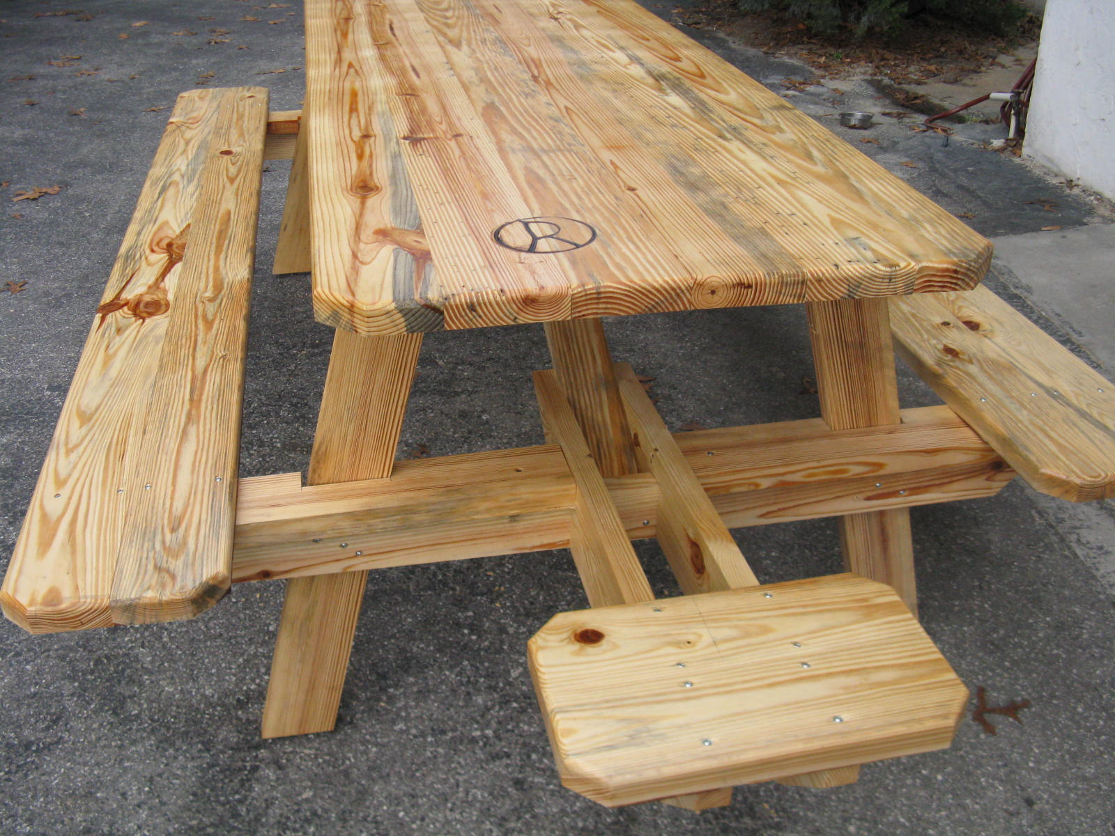 Picnic table with end benches