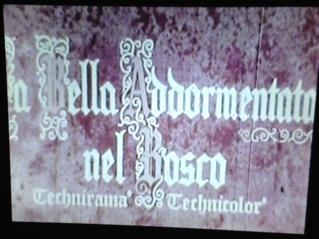 Passione super 8 la bella addormentata nel bosco usa 1959 for La cabina nel bosco 2 film completo