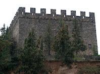 Façana nord, la més antiga, del Castell de Balsareny