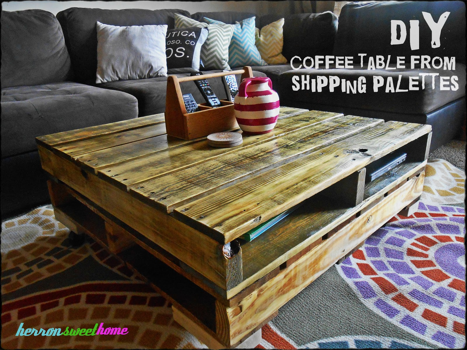 chic a cherry cola diy coffee table made from shipping. Black Bedroom Furniture Sets. Home Design Ideas