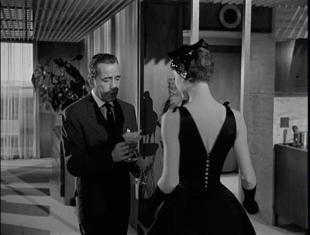 Style Essentials Audrey Hepburns Costumes Cause The Oscar Drama