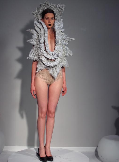 defined moment d fil haute couture automne hiver 2013 madame r ve paris. Black Bedroom Furniture Sets. Home Design Ideas