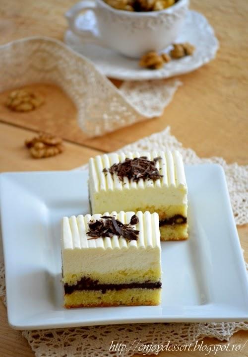 Prajitura cu ciocolata, nuci si mousse de iaurt