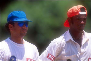 vinod-sachin-tour-friends