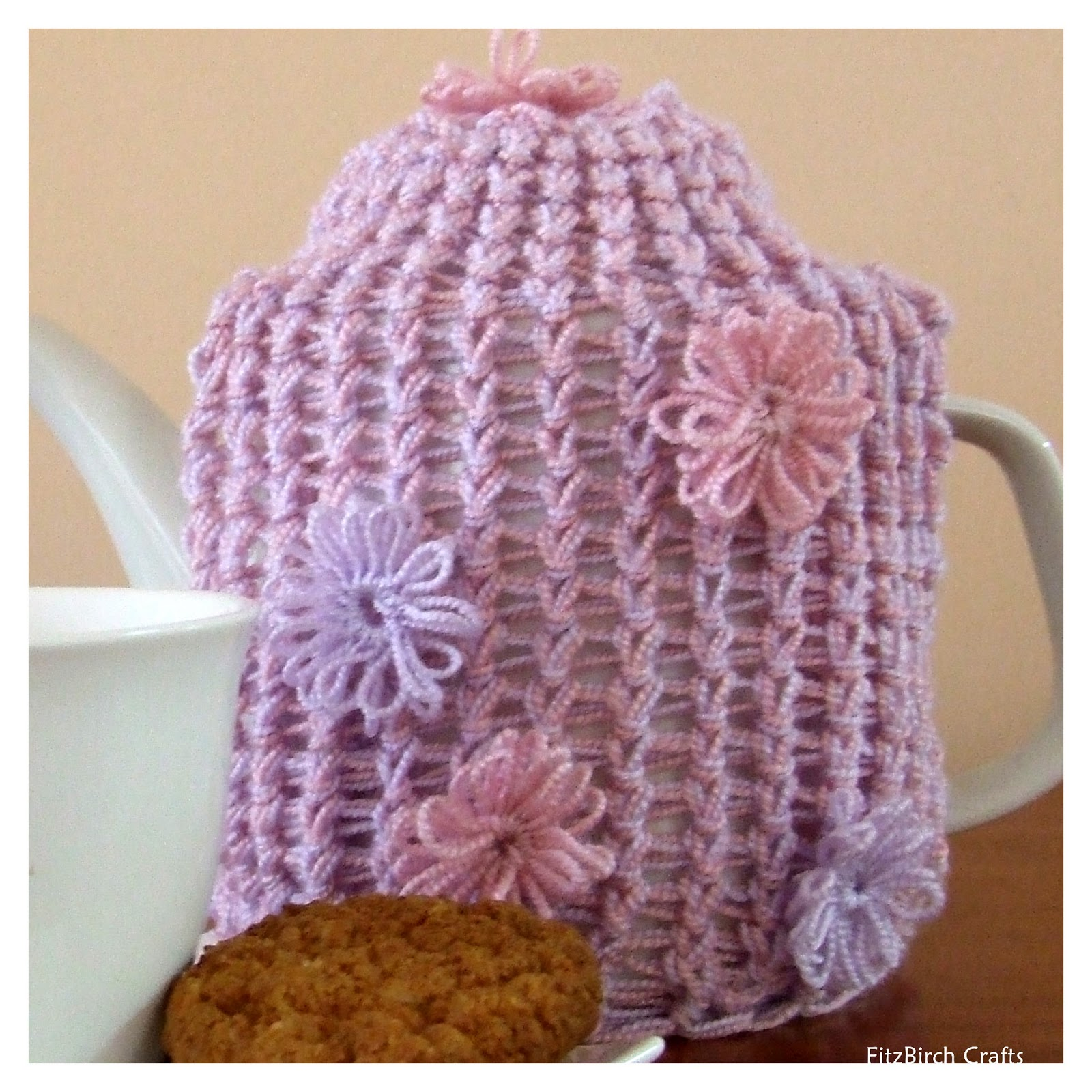 Knitting Loom Ideas : Fitzbirch crafts loom knit tea cosy