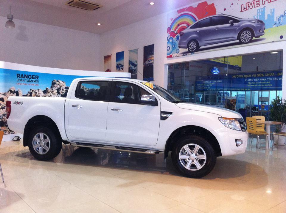 Ford Ranger XLT 2014 màu trắng