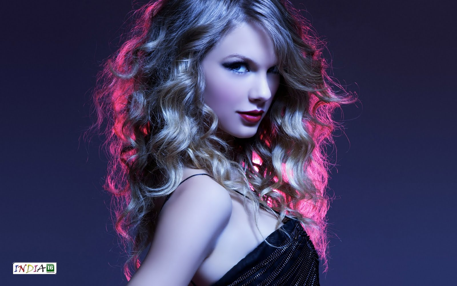 Awesomeness Wallpaper: taylor swift hot wallpapers