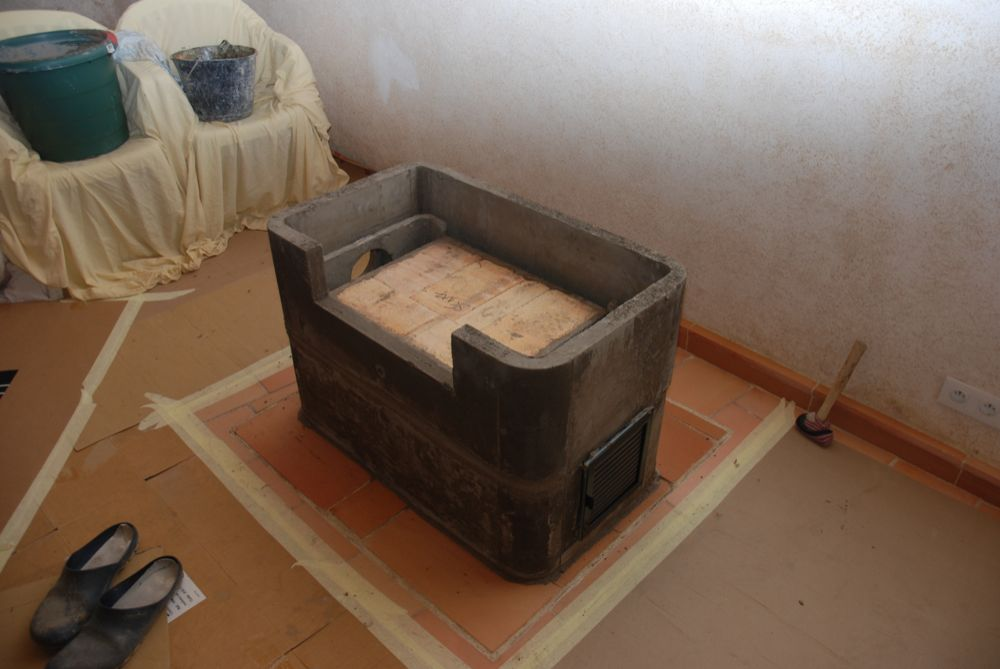 poele de masse. Black Bedroom Furniture Sets. Home Design Ideas