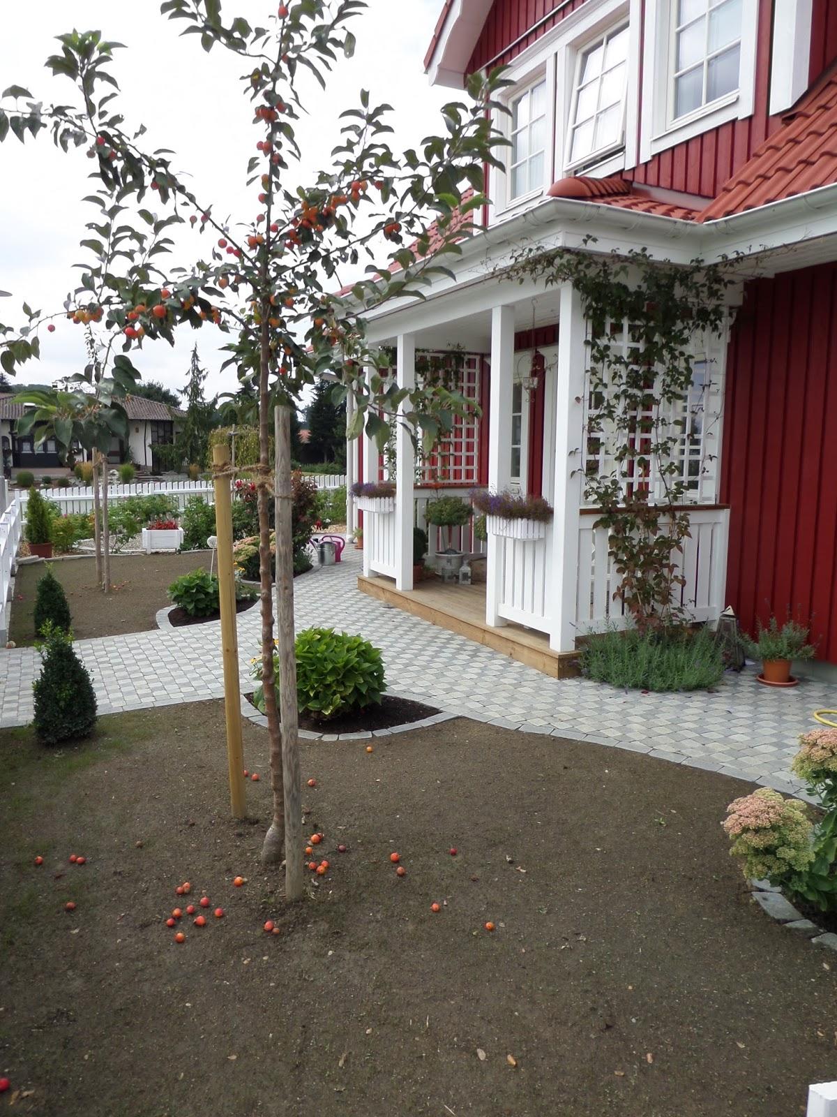 Kleine Lotta Unser Schwedenhaus Ein weißer Gartenzaun