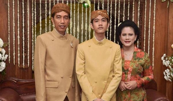 Foto Pernikahan Jokowi, Gibran, Iriana