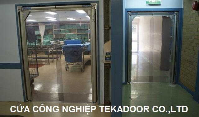 Cửa PVC xoay tự động Flexible Swing door