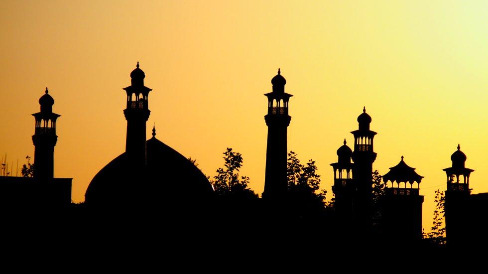 perbedaan-masjid-mushola