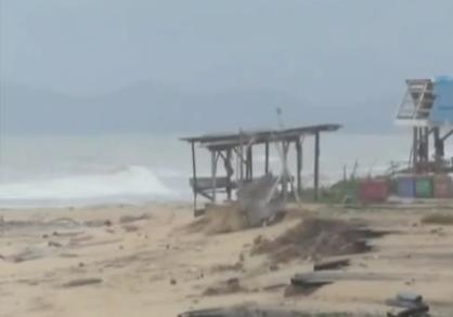 Video Ombak Besar Di Pantai Terengganu