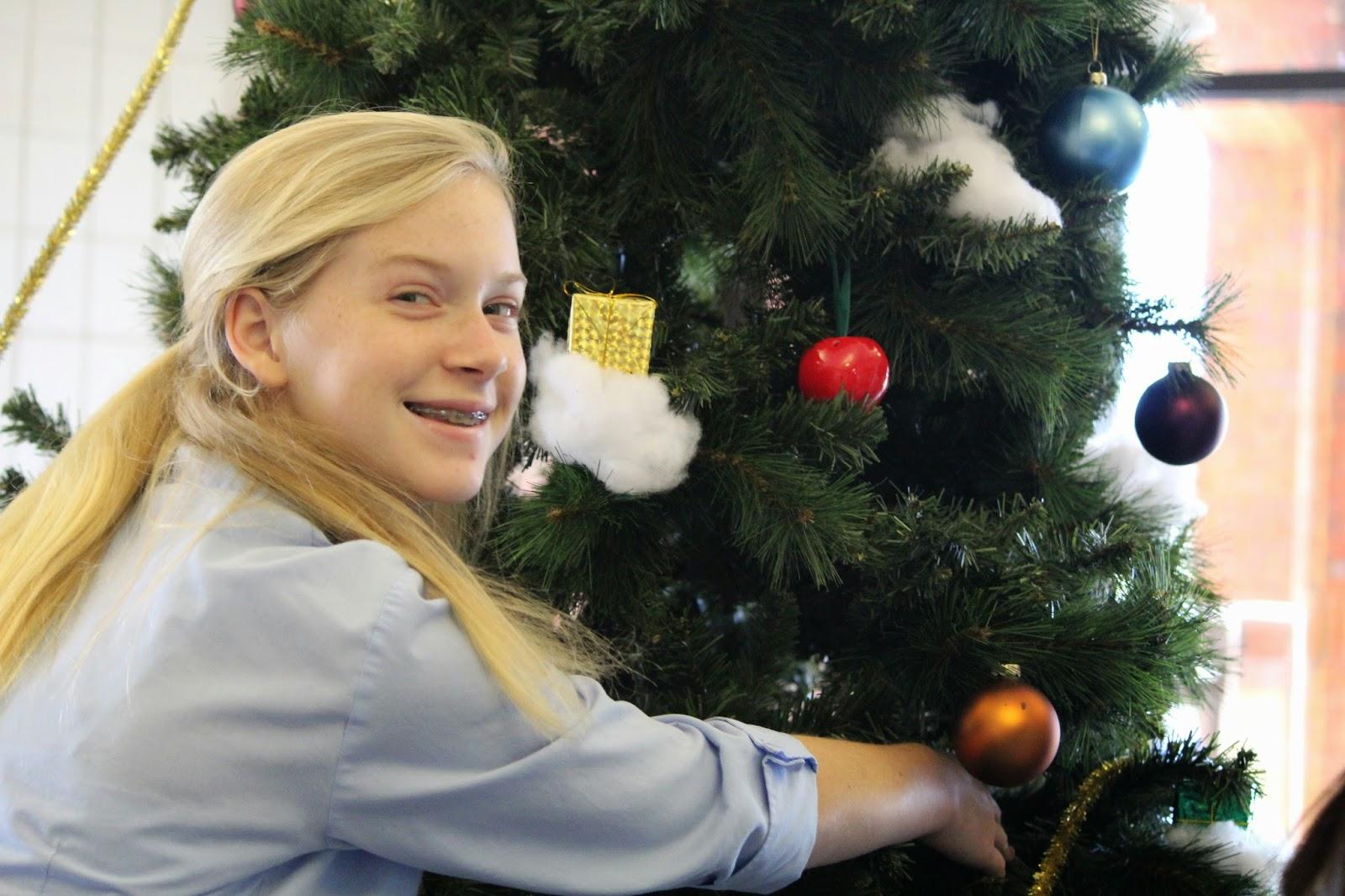 Catholic Students Enjoy Celebrating Christmas on Campus 3