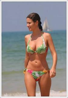 hot sexy bikini babes