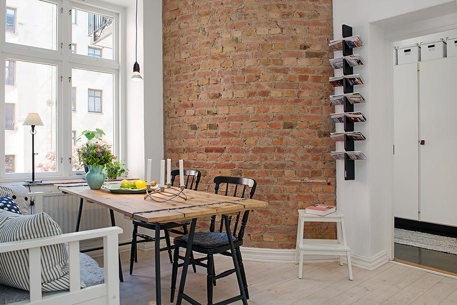 Un piso con pared de ladrillo cara vista boho deco chic - Reformas pisos pequenos ...