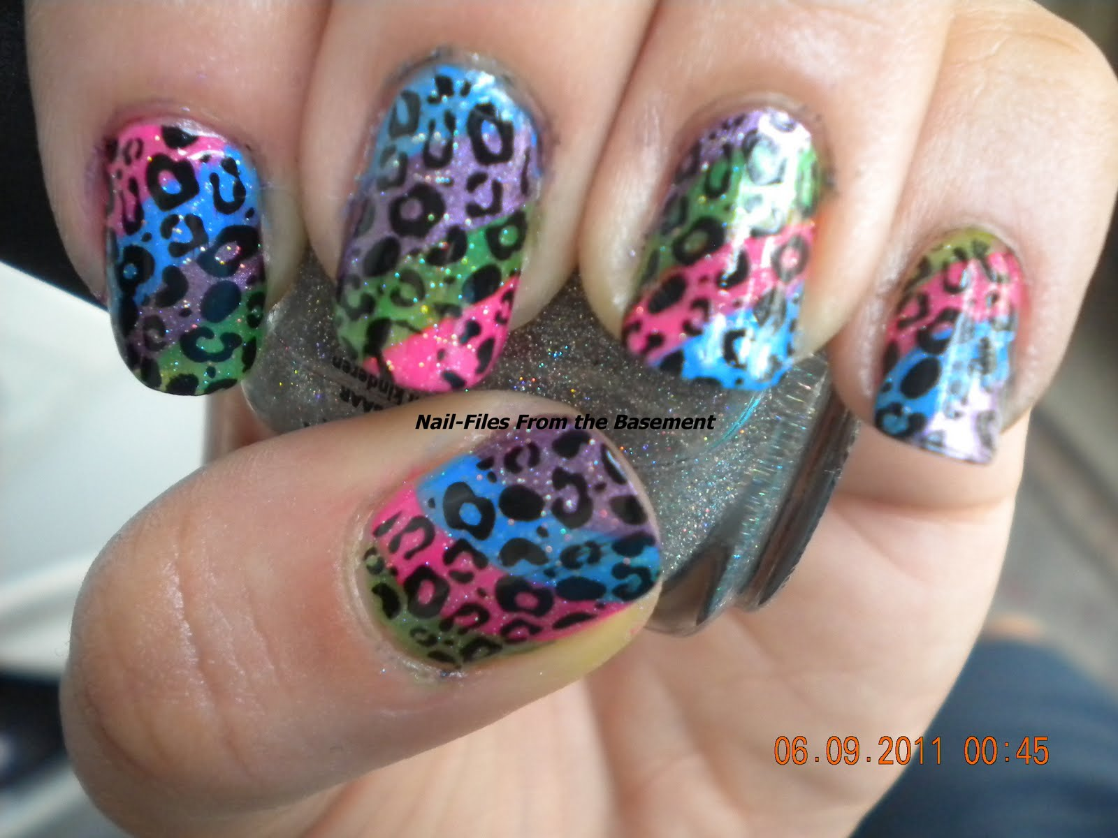 Cheetah nail art neon colors anna charlotta cheetah nail art neon colors solutioingenieria Choice Image