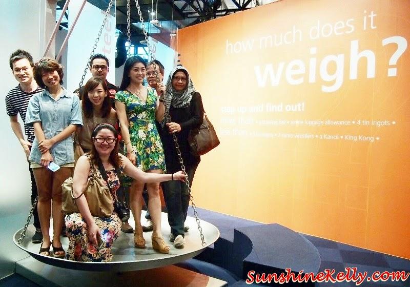 Bloggers at Royal Selangor Visitor Centre, Giant Weighing Scale, Royal Selangor Visitor Centre, Royal Selangor Pewter, Royal Selangor