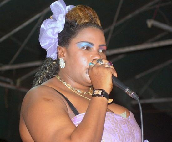 kuonyesha dalili za wivu kutokana na mafanikio aliyonayo mpaka sasa