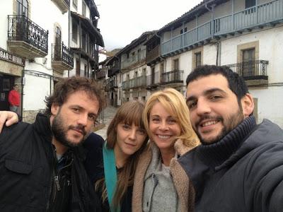 Protagonistas de la serie Calenda en Cadelario