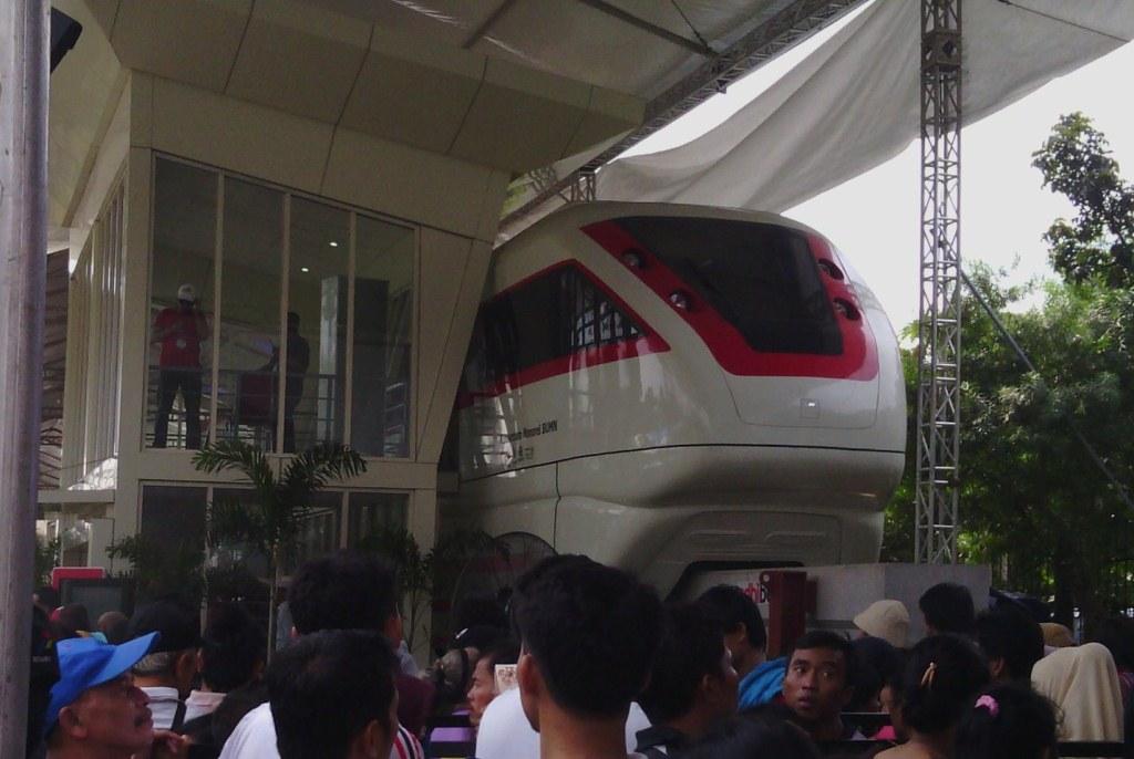 produk bumn untuk monorail jakarta