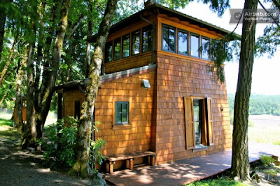 Tiny modern cabin in or 600x400