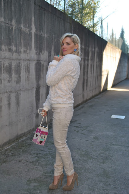 outfit jeans e tacchi come abbinare jeans e tacchi abbinamenti jeans e tacchi how to wear jeans and heels how to combine jeans and heels jeans and heels how to match jeans and heels blonde girl blonde hair blondie outfit casual invernali outfit da giorno invernale outfit gennaio 2016 january  outfit january 2016 outfits casual winter outfit mariafelicia magno fashion blogger colorblock by felym fashion blog italiani fashion blogger italiane blog di moda blogger italiane di moda fashion blogger bergamo fashion blogger milano fashion bloggers italy italian fashion bloggers influencer italiane italian influencer