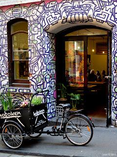 melbourne - laneway bike