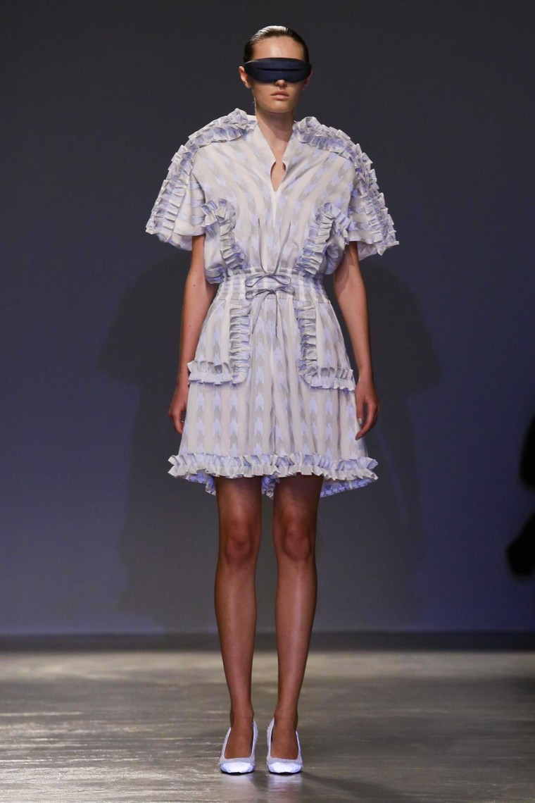 Anrealage, Anrealage-ss16, anrealage-spring-summer, anrealage-spring-summer-2016, anrealage-spring, du-dessin-aux-podiums, dudessinauxpodiums, vintage-look, dress-to-impress, dress-for-less, boho, unique-vintage, alloy-clothing, venus-clothing, la-moda, spring-trends, tendance, tendance-de-mode, blog-de-mode, fashion-blog, blog-mode, mode-paris, paris-mode, fashion-news, designer, fashion-designer, moda-in-pelle, ross-dress-for-less, fashion-magazines, fashion-blogs, mode-a-toi, revista-de-moda, vintage, vintage-definition, vintage-retro, top-fashion, suits-online, blog-de-moda, blog-moda, ropa, asos dresses, blogs-de-moda, dresses, tunique-femme, vetements-femmes, fashion-tops, womens-fashions, vetement-tendance, fashion-dresses, ladies-clothes, robes-de-soiree, robe-bustier, robe-sexy, sexy-dress