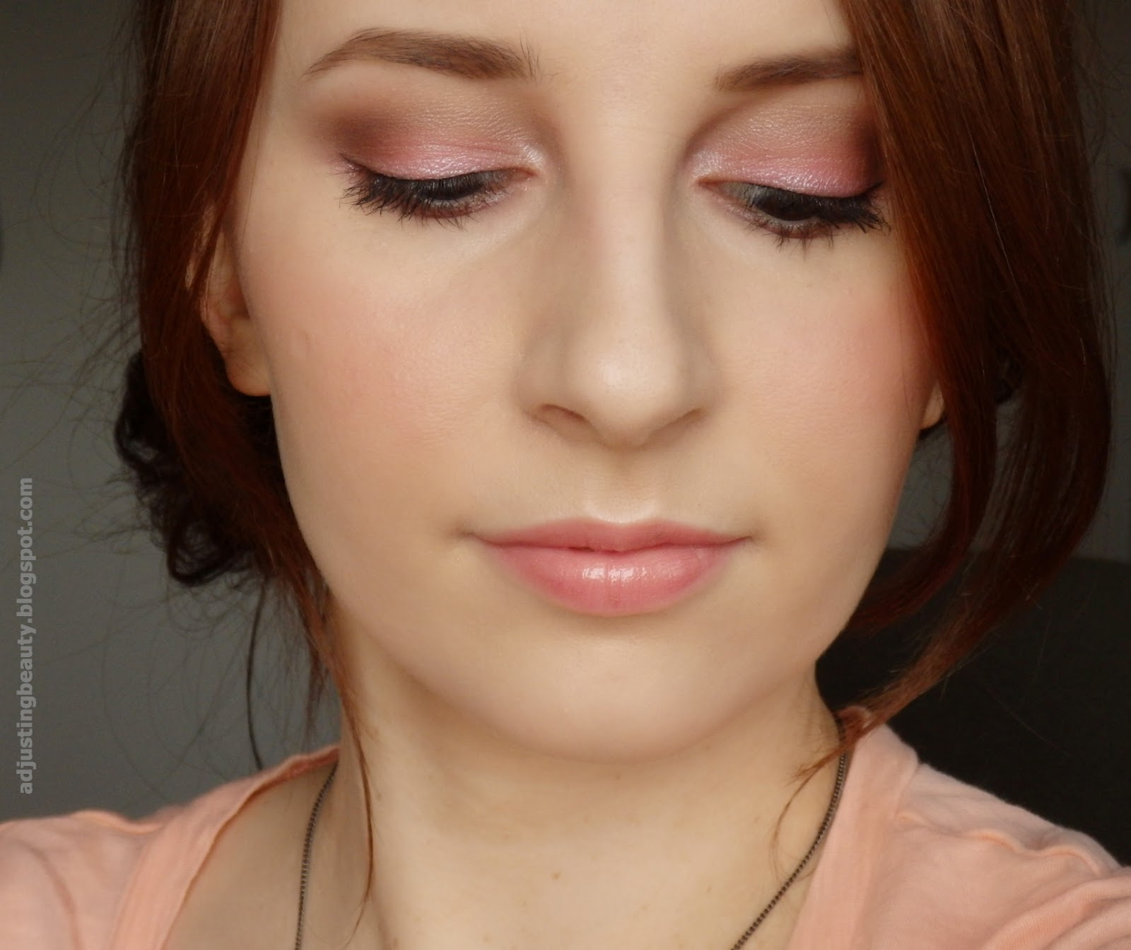 Soft Pink Makeup Adjusting Beauty