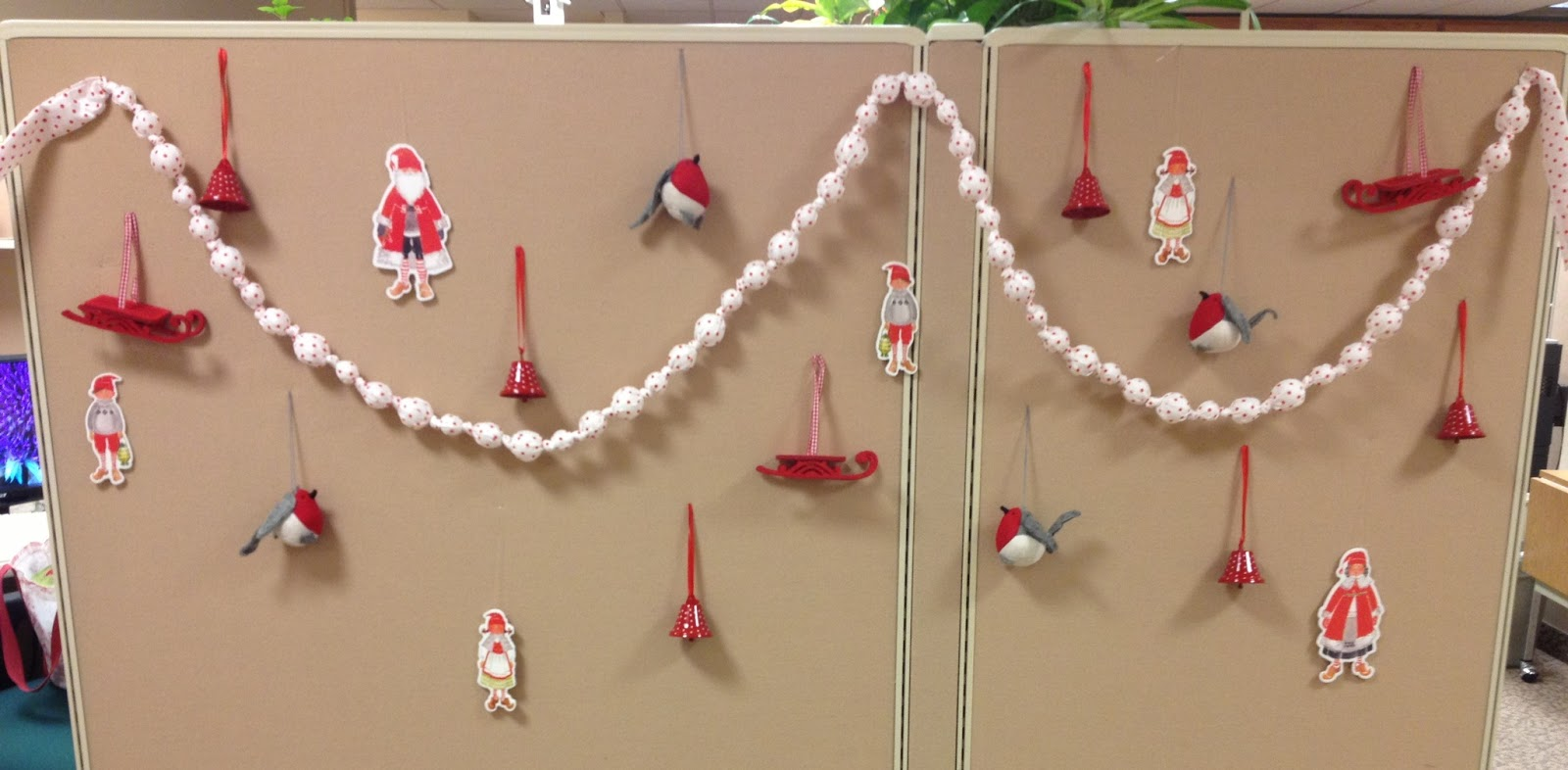 News from DD4s Cottage: Christmas Decorations In Our Office.