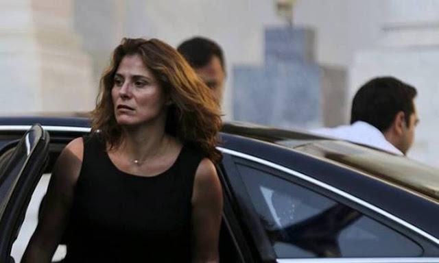 Με διαδικασίες εξπρές έκαναν δημόσιο υπάλληλο τη Μπέτυ Μπαζιάνα