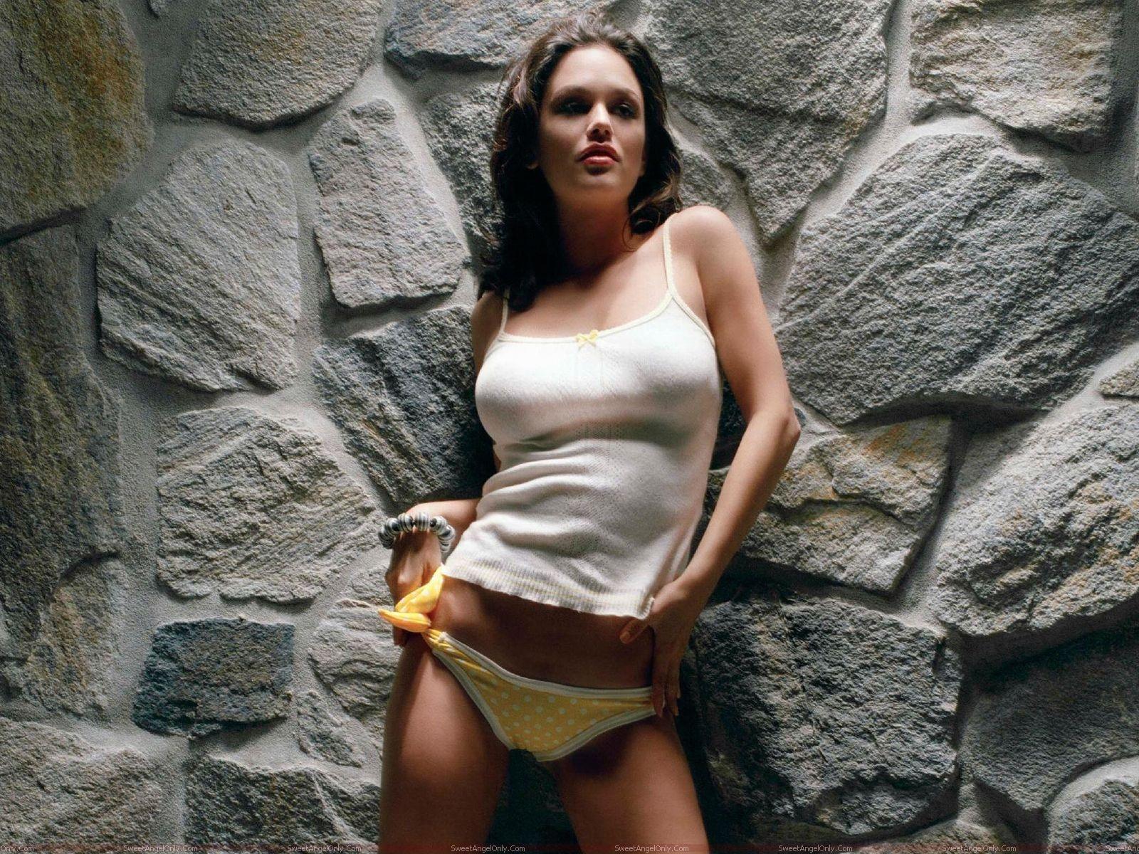 Rachel Sarah Bilson - Beautiful Photos
