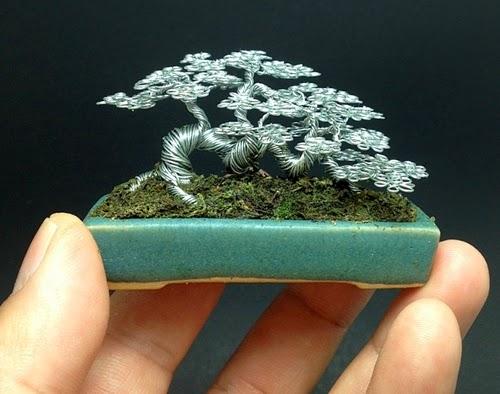 08-Ken-To-aka-KenToArt-Miniature-Wire-Bonsai-Tree-Sculptures-www-designstack-co