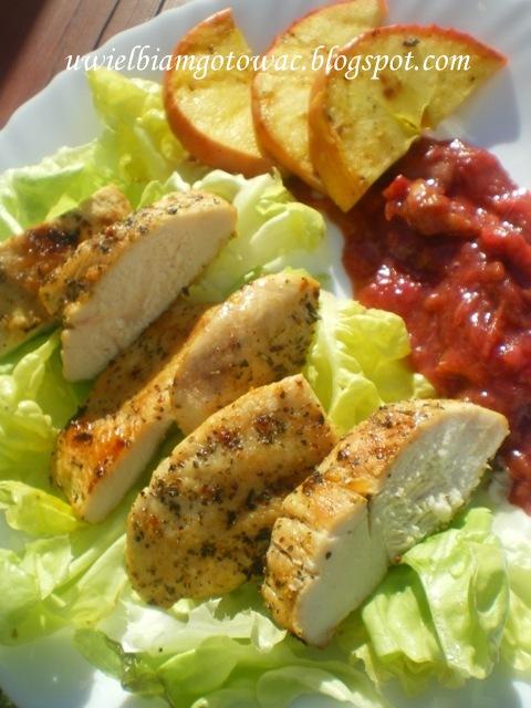 Kurczak grillowany z musem rabarbarowym