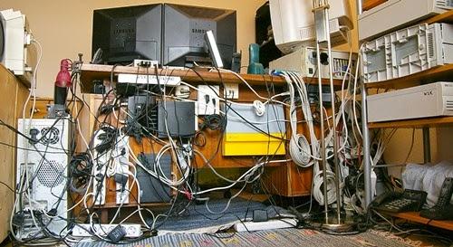 Mengatur dan Mengorganisir Ruang Kerja di Rumah Mengatur dan Mengorganisir Ruang Kerja di Rumah