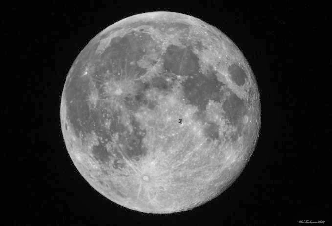 bulan hitam atau black moon 2