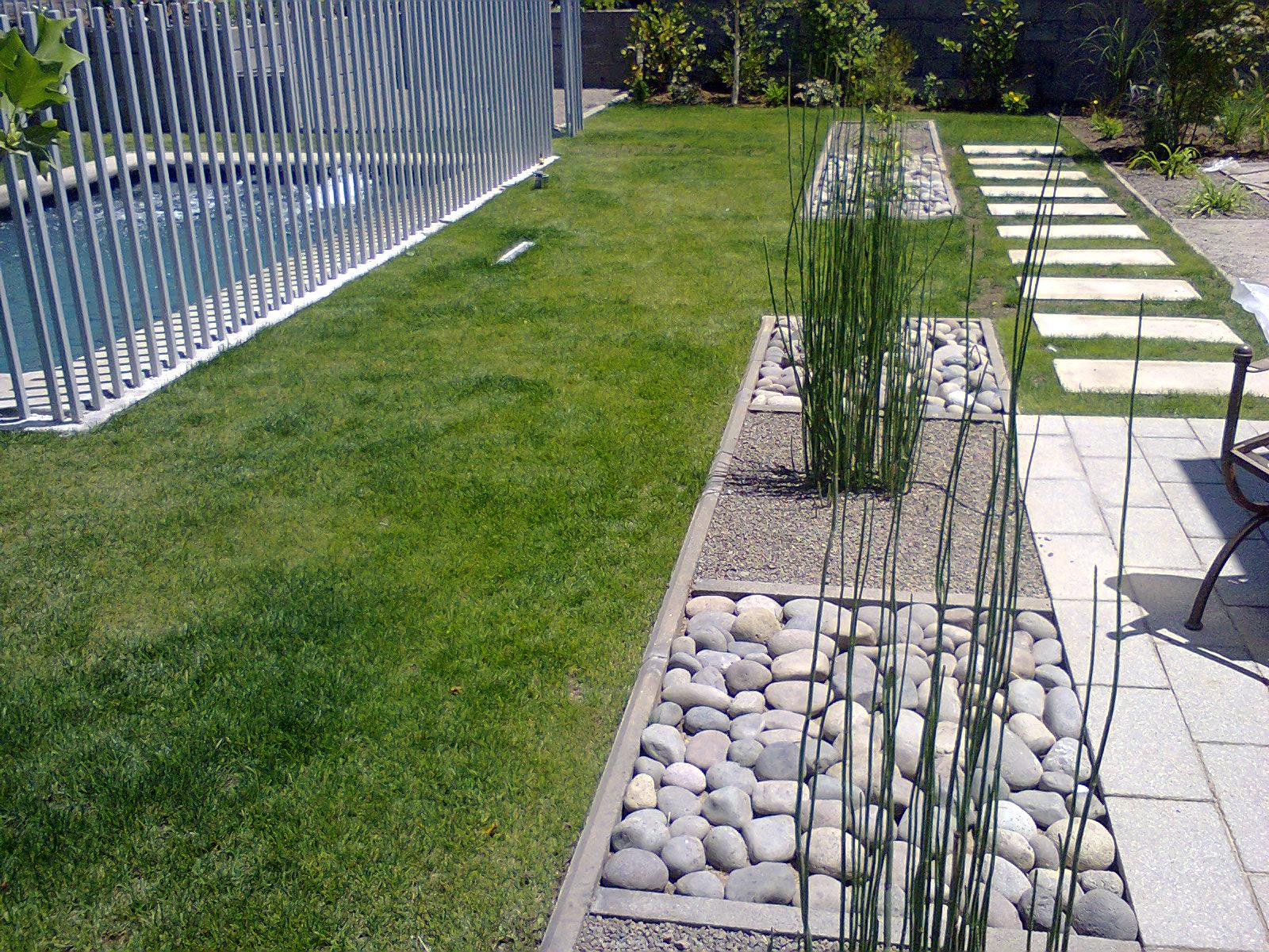 Proyecto jardin los bravos la dehesa arquitectura de for Construccion de piscinas en santiago