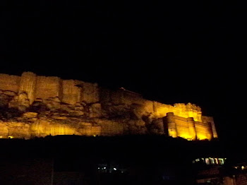 INDIA 2011: Jodhpur, view of the Fortress from our restraunt deck