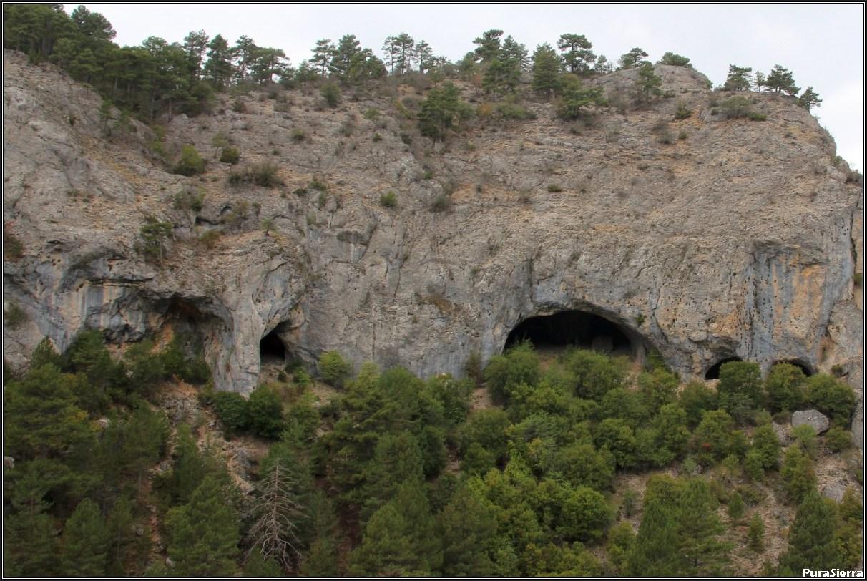 Cueva De Las Grajas (Huélamo)