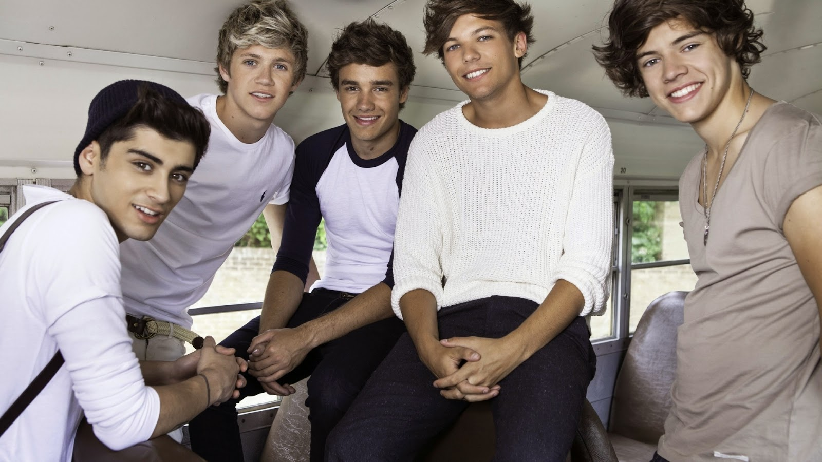 Music Wallpapers One Direction Smiling Wallpaper