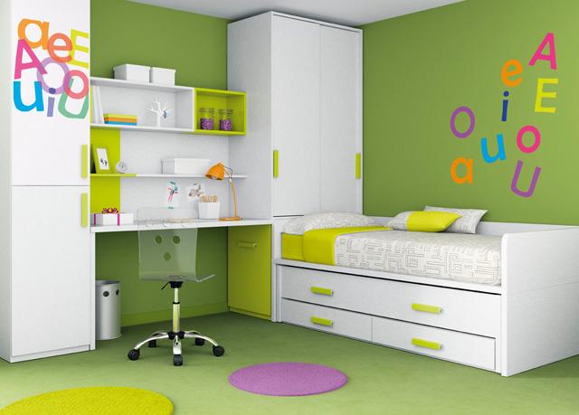 Cama compacto blanca con cama arriba cama enmedio y 2 for Habitaciones compactas