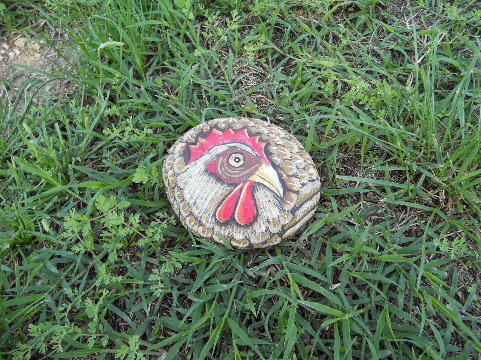 piedra pintada a mano: gallina