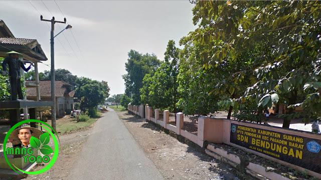 FOTO : SDN BENDUNGAN, Pagaden Barat, Subang. Sebelah kiri terlihat ada patung Tani