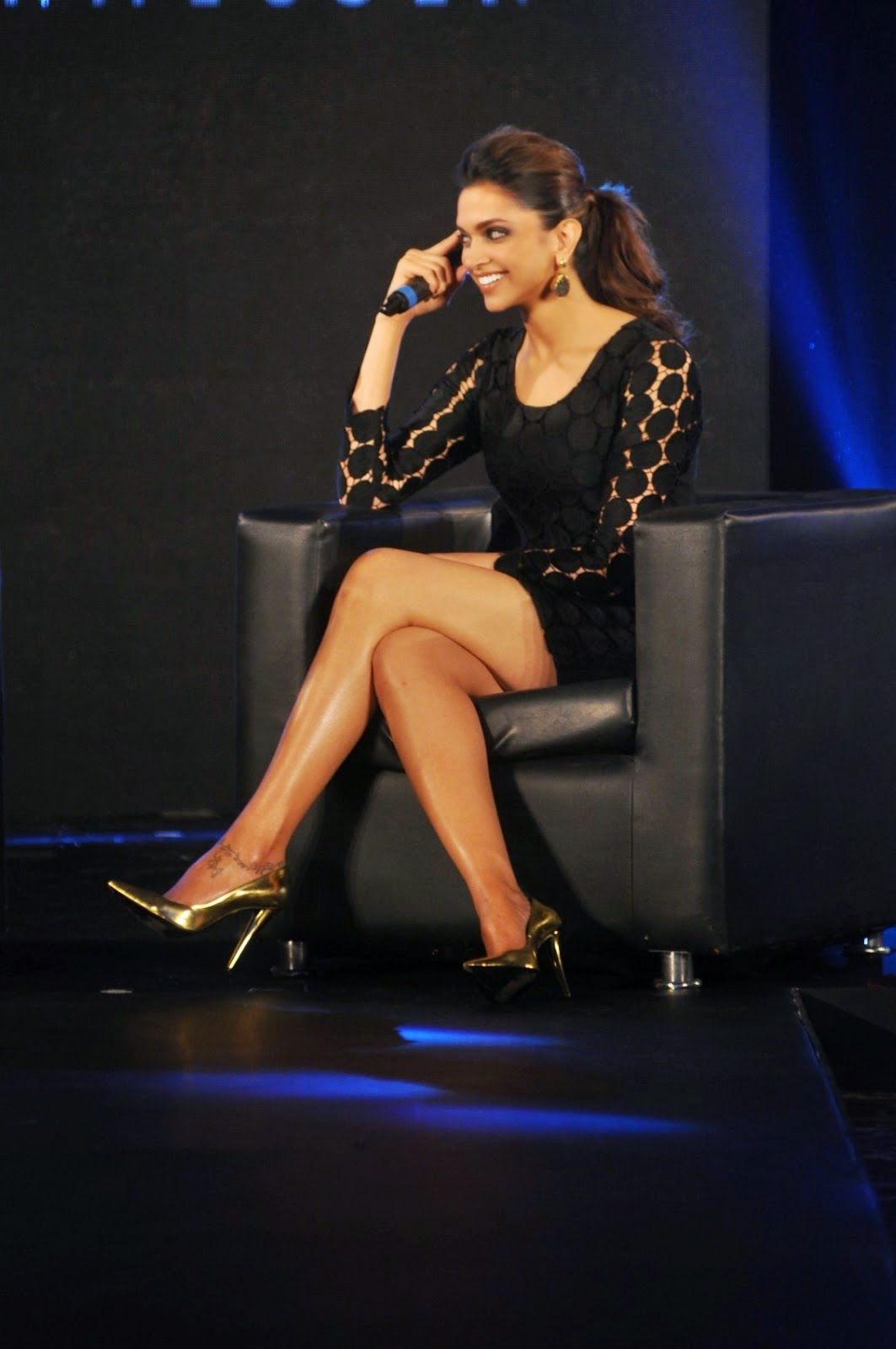 Deepika Padukone Showing Her Hot and Sexy Legs