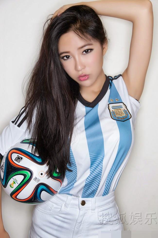Người đẹp Châu Á mặc