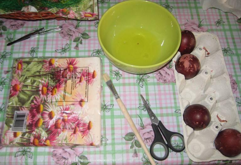 Uskrs: Ukrašavanje uskršnjih jaja (salveta i belance)
