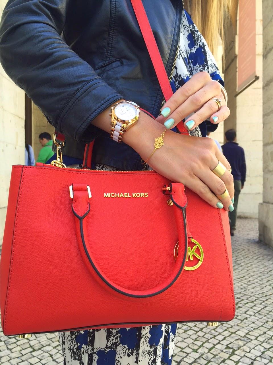 b91760211 Macacão: Pepe Jeans | Casaco: Zara (antigo) | Anéis, colares e pulseira: A  Pipoca Mais Doce by Loja das Jóias | Relógio e carteira: Michael Kors |  Óculos: ...