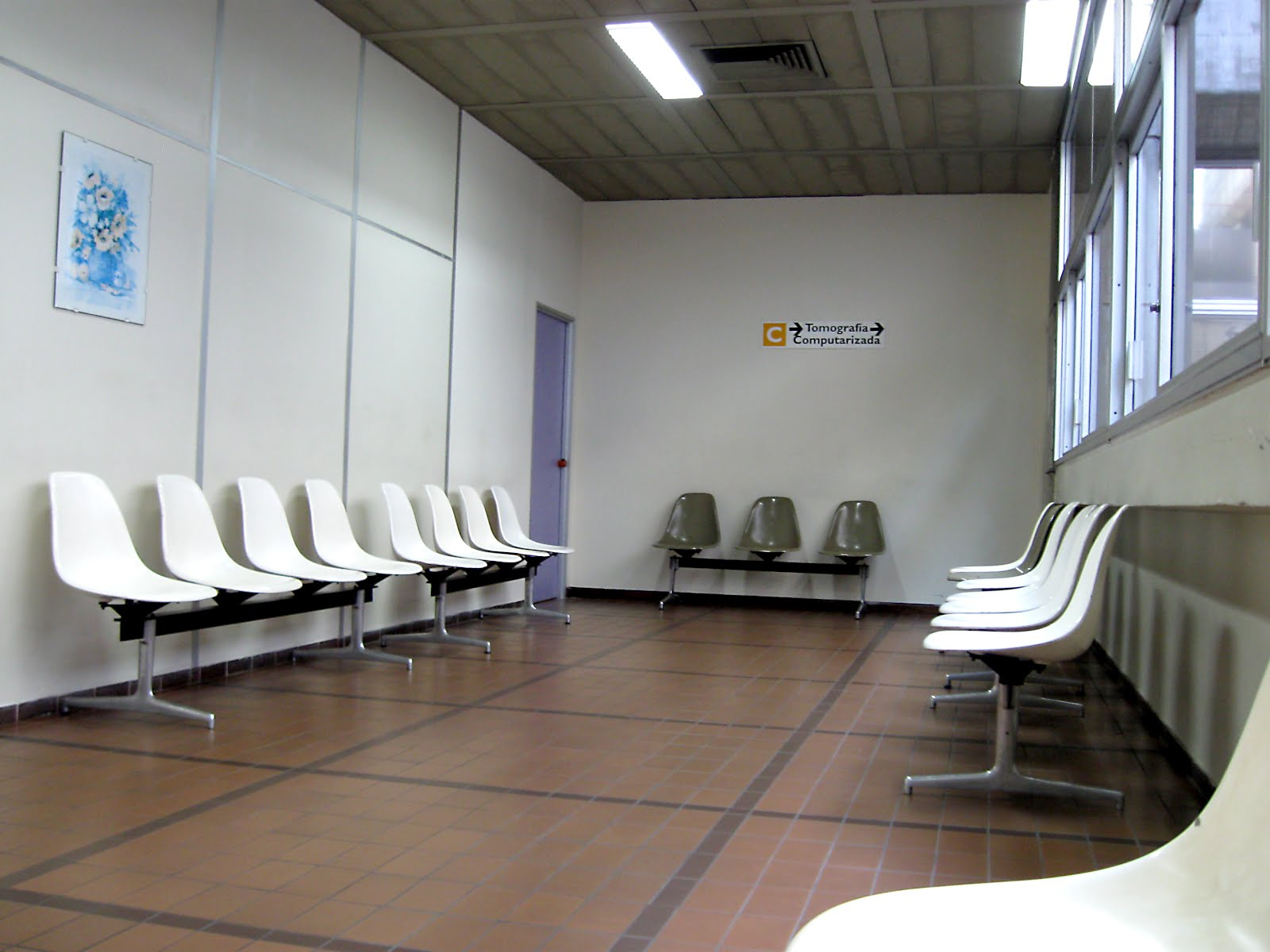 Hospital waiting room design the image for Interieur hopital