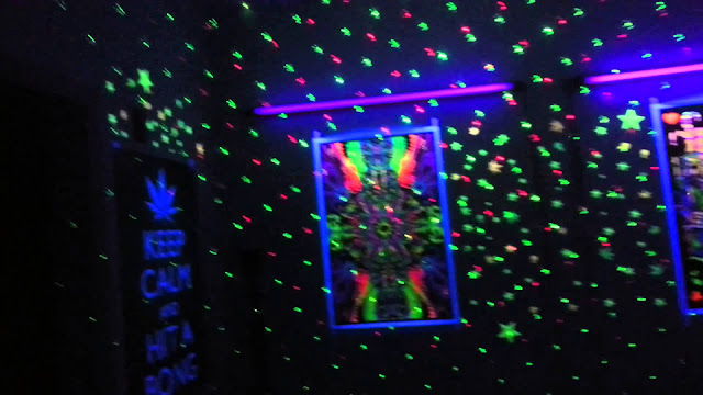 Trippy Bedroom Decor